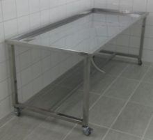 stol za pripremu pokojnika